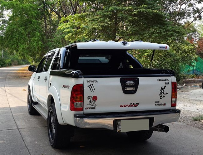 nap-day-thung-thap-toyota-hilux-sm1