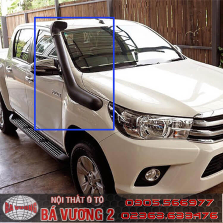 ong-tho-nap-carbo-toyota-hilux-revo-2016-1